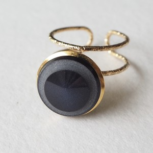 300.Vintage button ring