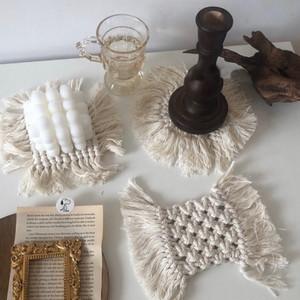 編みフリンジコースター
