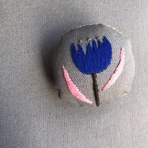 hanatama brooch