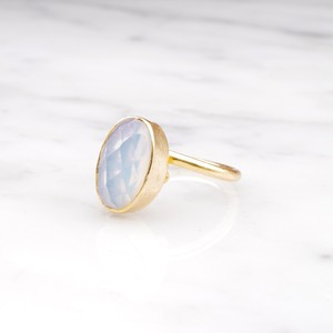 SINGLE OVAL STONE RING GOLD 006