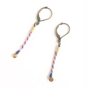 ヴァイオリン弦のカジュアルピアス  Strings endparts pierces (Pink × Blue)
