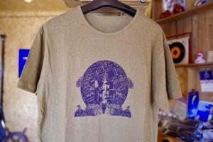 Mt Chills x tsutsumu x INTERSPECIES RECORDS トリプルネーム 半袖Tシャツ(メンズ・カーキ)