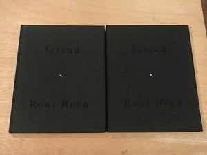island Pooling Waters,Volume1・2/Roni Horn