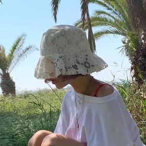lace bucket hat 2c's
