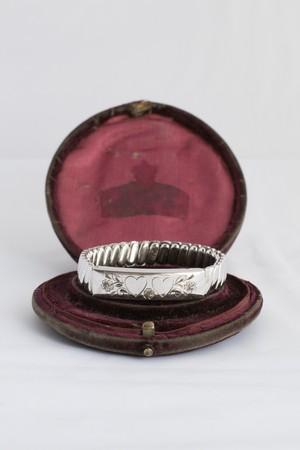 【Run Rabbit Run Vintage】Sweet heart bracelet silver color