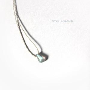 ホワイトラブラドライト macrame necklace