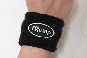 TRamp ロゴ刺繍リストバンド