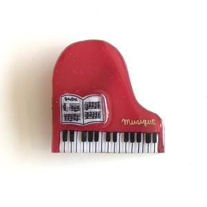キャトルシス ピアノブローチ / レッド