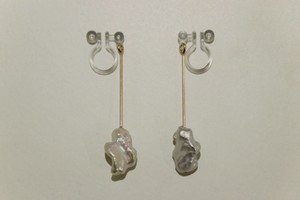 bud / Earrings