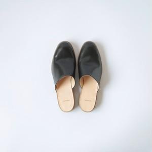 Shop shoes (black)