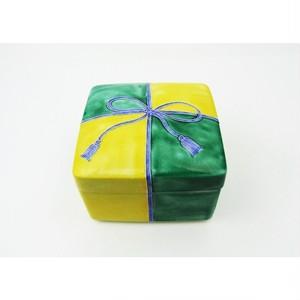 有田焼 箱型蓋物 一珍結び紋正角 黄/緑