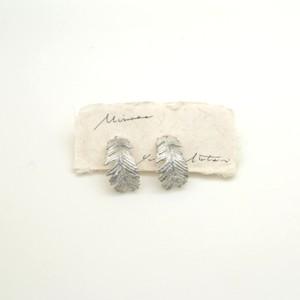 Mimosa leaf フープピアス(silver) / YUKIKO MATSUI