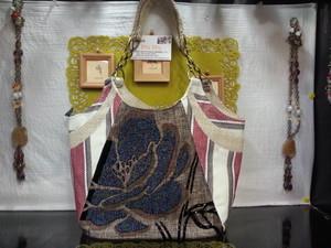 ベトナムバッグ・ハンドメイドバッグ・ビーズ刺繍バッグ・手刺繍バッグ・花柄バッグ・ベトナム雑貨PhiPhi C
