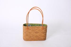 アタ素材のかごバッグ サイズL グリーンのバティック柄巾着(ひし形)