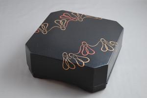 黒摺り上げ 角食籠 六瓢つなぎ蒔絵 上杉満樹 作