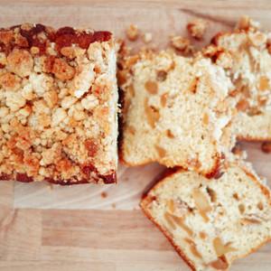 パウンドケーキセット(黒豆珈琲とチョコのパウンドケーキ・りんごのクランブルパウンドケーキ)