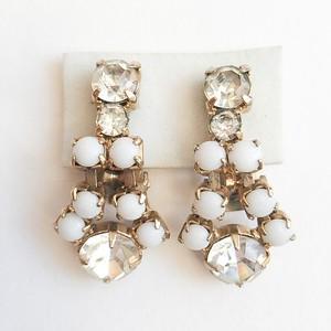 white & rhinestone earring[e-757]