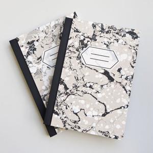 ハンドメイドのノート マーブル・中サイズ