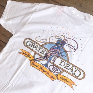 "Grateful Dead ""Champagne Glass NY '84"" S/S Tee"