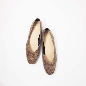 Square toe Vcut Flat Shoes|スクエアトゥVカットソフトフラットシューズ|【AREZZO】|madeinjapan|日本製