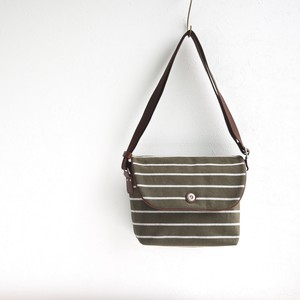 BORDER FLAP SHOULDER S / OLIVE
