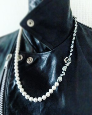 Black or White Necklace