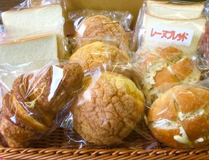 お勧め『焼き立て冷凍パン』セット(送料半額)