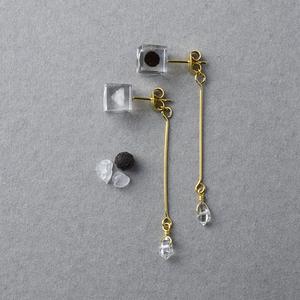 ハーキマーダイヤモンドと塩胡椒のピアス(誕生日プレゼント, 無料ギフトラッピング, メッセージカード)