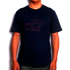 MOUNTAIN × GAKIYA ISAMU Tシャツ /  LOGO / Navy