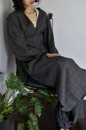 AKIRAFURUKAWA cutting vest black