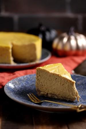 低糖質パンプキンチーズケーキ (15cm・ホール)Pumpkin Cheesecake (15cm/5.5in)
