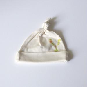 【受注生産】 お花畑アルファベット ベビーキャップ (グリーン) ● organic cotton 100%