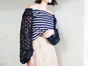flower lace sleeve border top/black