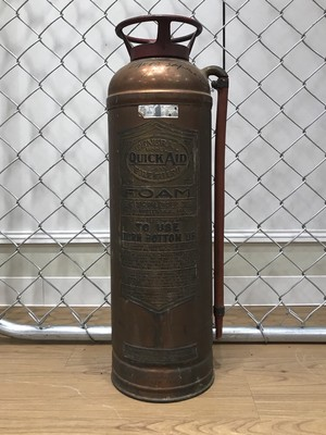 品番S-013 1940年代 消火器 Fire Extinguisher