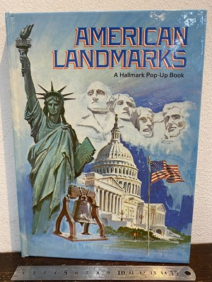 70's AMERICAN LANDMARKS  A Hallmark Pop-Up Book