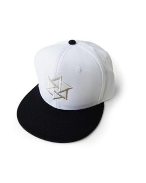 帽子1号 「鱗廻(りんね)」 白に黒(白刺繍)