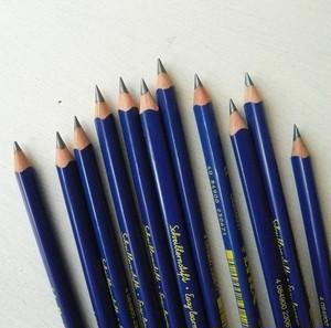 LYRA 三角グラファイト鉛筆