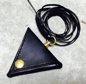 Triangle Coin Purse (Black×Brass)