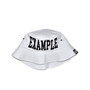 COLLEGE LOGO BUCKET HAT / WHITE