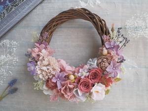 Lune Bonheur<coral pink>*ハーフムーンリース*プリザーブドフラワー*お花*ギフト*結婚祝い*春リース*フラワーリース