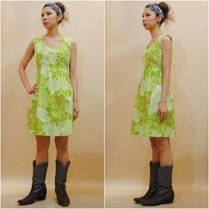 XS~Mサイズ【アメリカ製古着】1970年代ヴィンテージ◆黄緑の大柄なお花◆ひざ上丈ワンピース
