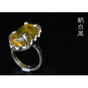 琥珀のリング