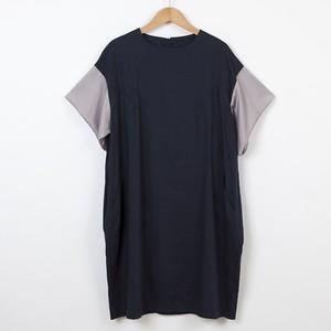 袖フリル紺色ワンピース