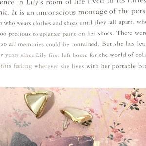 Triangle Pierce |トライアングルパールピアス |  mother-of-pearl |  #155|【STELLAPARK】