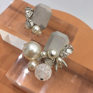 "【EL PRODUCTS】wood crystal""グレイ""ピアス"