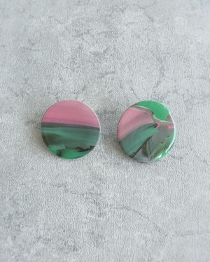 BYPRODUCT green&pink イヤリング/ ピアス