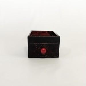 黒い木の引き出し drawer