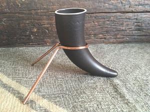 陶器製ホーンカップの専用スタンド (ホーンカップ別売)