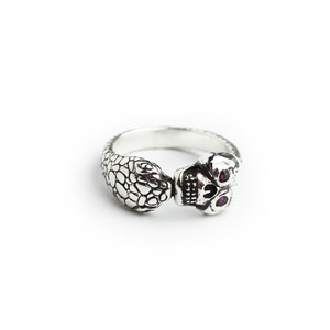"""The Second"" Memento Mori Skull Ring/Silver with stone eye"