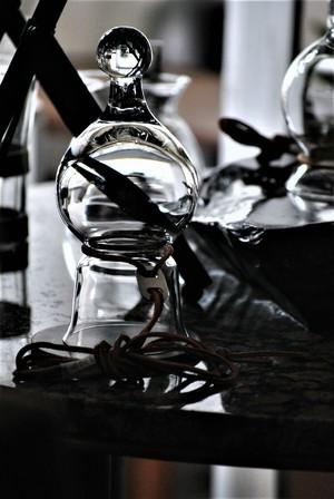 首からぶら下げるグラスB。首からぶら下げないと使えないグラスB    Holmegaard Neck glasses by Christer Holmgren.